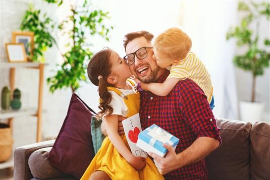Prezenty na Dzień Ojca 2021 – zaskocz tatę w wyjątkowy sposób