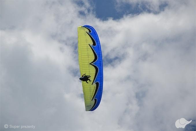Lot paralotnią z elementami akrobacji | Beskid Wyspowy